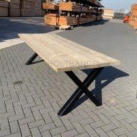Steigerhouten tafel met stalen kruispoten